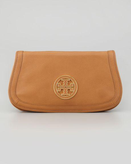 ea65ead42ca Tory Burch Amanda Logo Clutch Bag in Beige (royal tan)