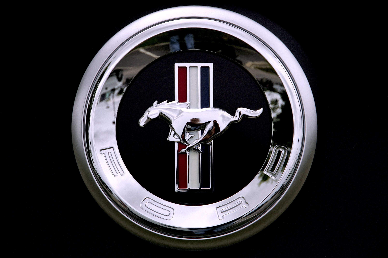 Ford mustang Logos