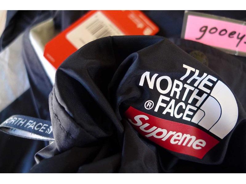 626387f7e9ba North face supreme Logos