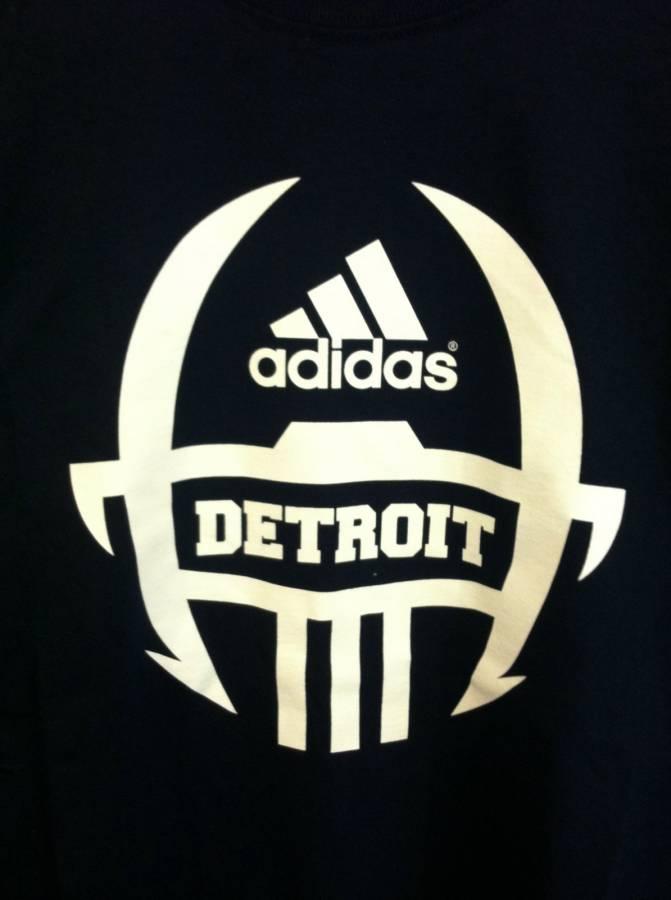 Perjudicial periodista piano  Adidas football helmet Logos
