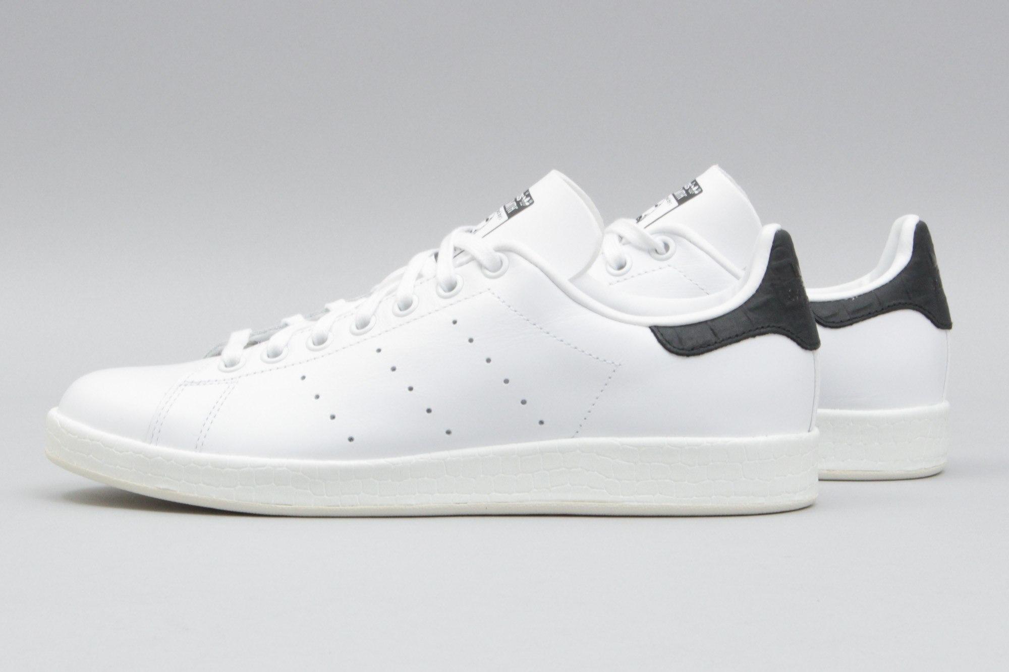 adidas stan smith black and white